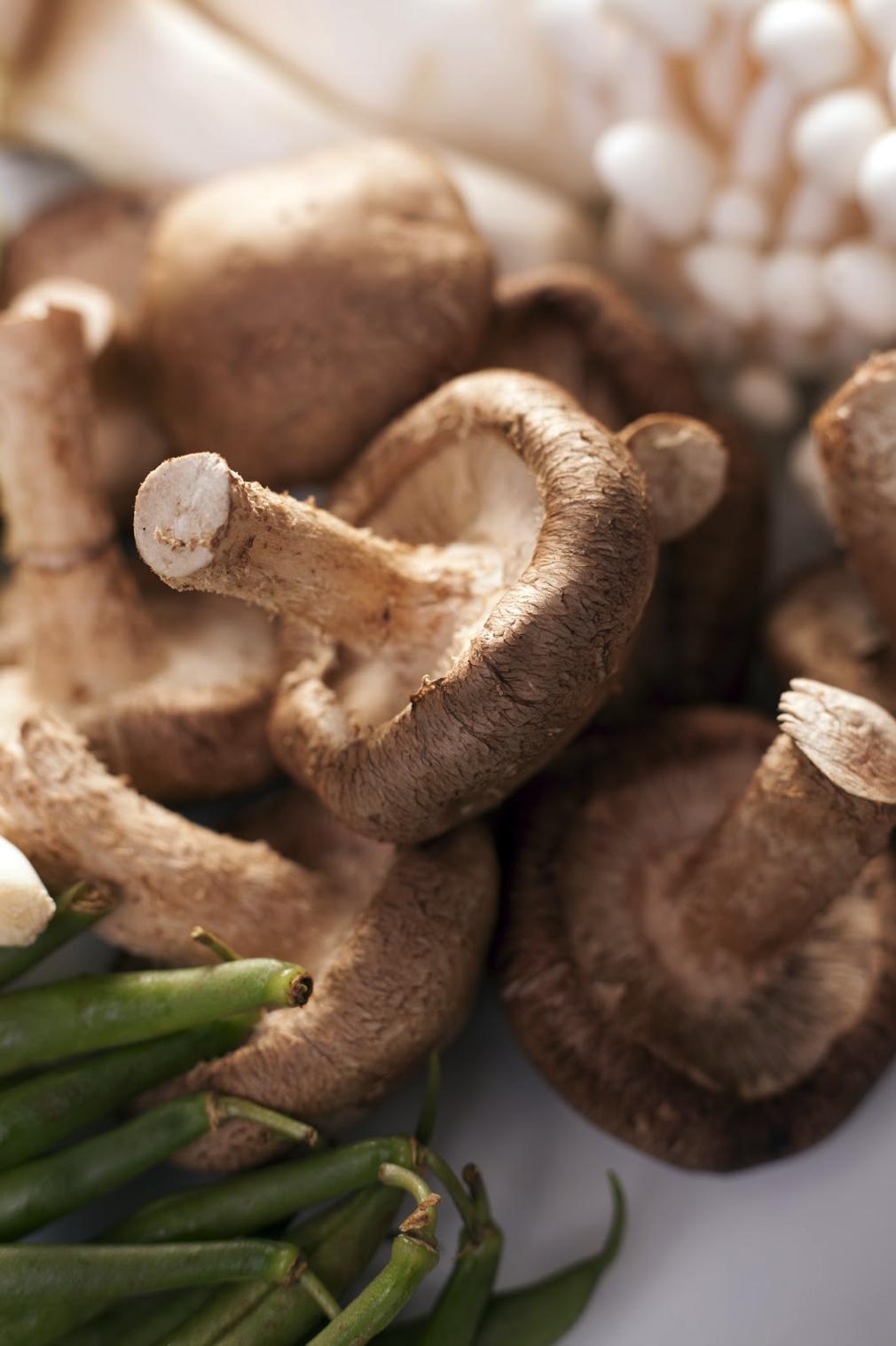 Crispy Garlic and Mushroom Green Beans